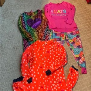 Other - Girl's Lot of 3 pajamas Size 7/8